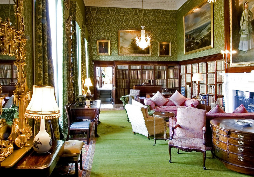 Fabric Walling installed in a magnifienct stately home.