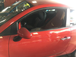 FIAT500 パワーウィンドゥ故障