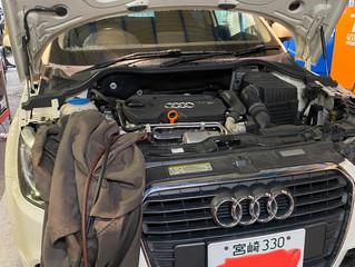 Audi A1 エアコンガス入れ替えサービス
