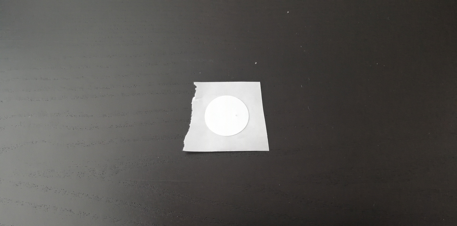 Kúpte si NFC nálepku (NTAG 213), môžete si ju kúpiť na stránkach Amazon alebo AliExpress
