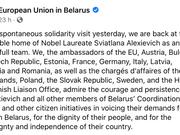 Des diplomates des pays européens entourent Svetlana Alexievitch pour la protéger à son domicile