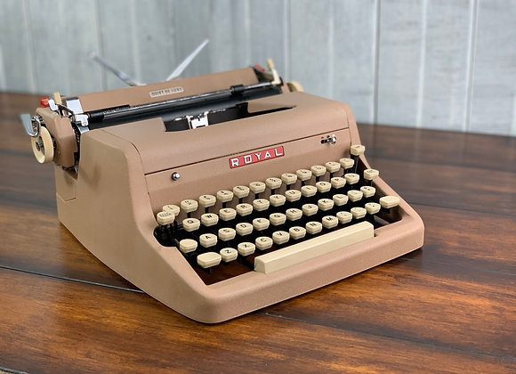 1956 Royal Quiet Deluxe Manual Typewriter & Case Reconditioned