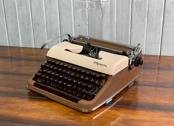 1954 Olympia SM 3 Deluxe Manual Typewriter Two tone Brown and Cream with Case