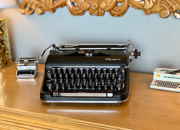 Custom Black 1957 Olympia SM4 Manual Typewriter Rare Senatorial Font