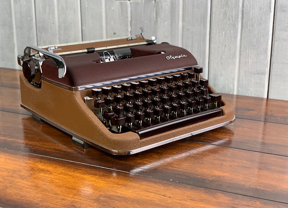 1955 Olympia SM 3 Deluxe Manual Typewriter Two tone Brown and Burgandy with Case