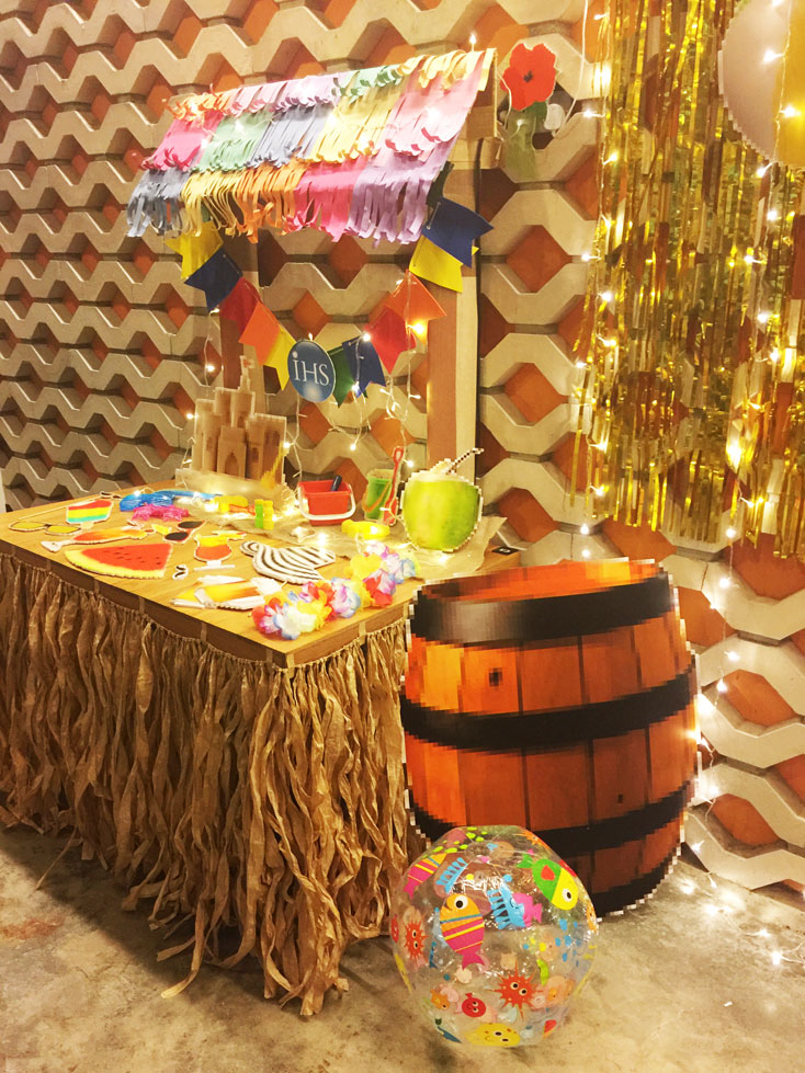 pixel-beach-photo-props-booth