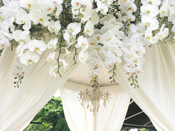 Alkaff-Wedding-Gazebo-chandelier
