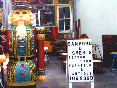 Sanford and Sven's Second Hand