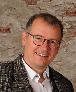 Albrecht Henning2.jpg