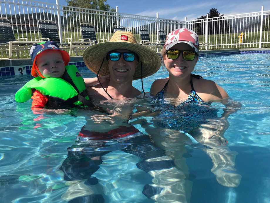 Swimming in the pool at Wapato Point