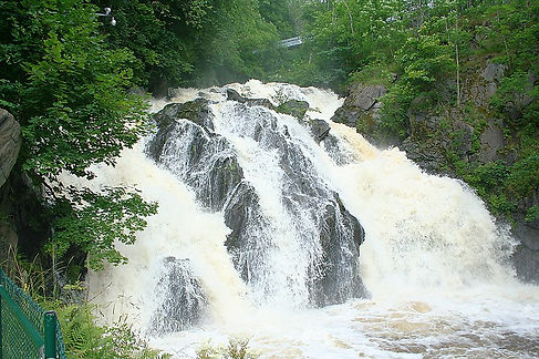 Huskvarna_waterfall.jpg