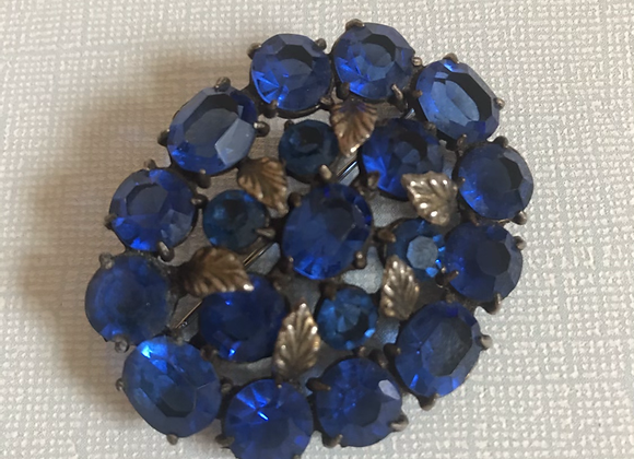 Blue leaf pin