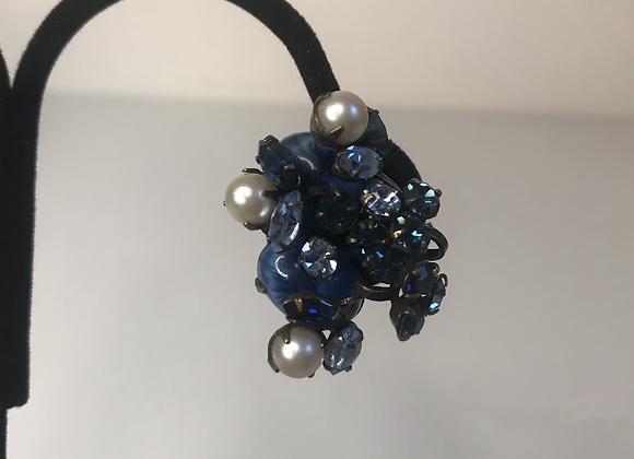 Navy crystal clip