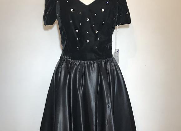 Jessica Howard  black velvet  dress