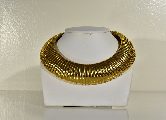 Goldtone ribbed collar choker