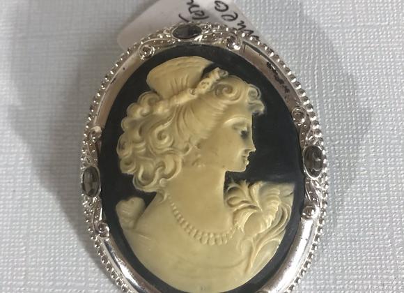 Cameo crystal pin