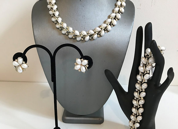 4pc 1950s Lisner Pearl Set