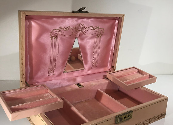 Soft pink/gold Vintage Jewelry Box