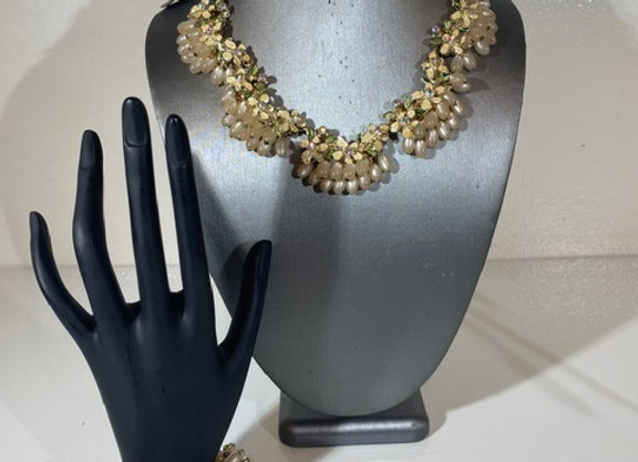 Faux pearl 2 pc Jewelry set