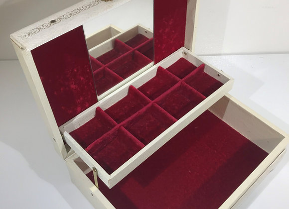 Creme square vintage jewelry box