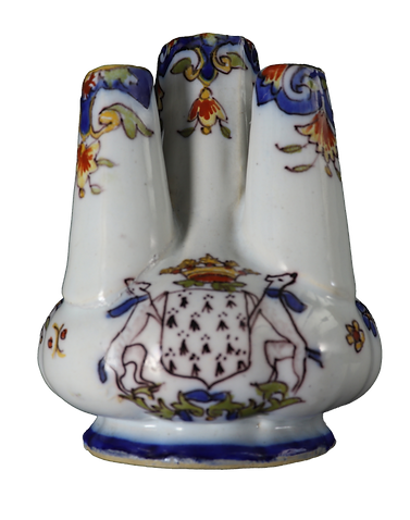 A tulip vase with five spouts, decorated with a coat of arms.