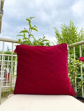 Velvet Quilted Throw Pillowcase (Red)