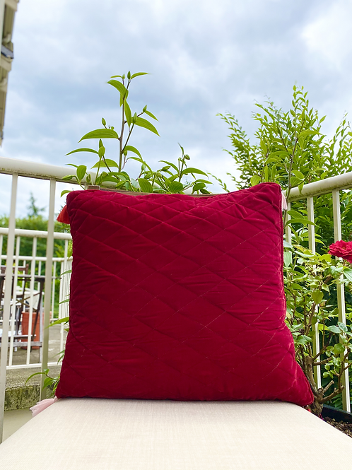 Velvet Quilted Throw Pillowcase (Red)