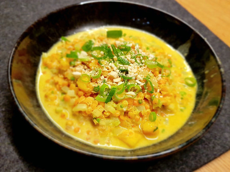 Curry von roten Linsen, Stangensellerie und Mango