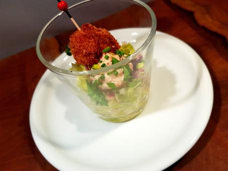 Bratwurstpraline | Spitzkohlsalat | Röstzwiebelmayonnaise