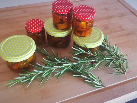 Der fruchtige Gaumenkitzel - Halbgetrocknete Ofentomaten in bestem Olivenöl