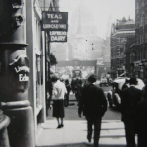 Fleet Street London 1950s.JPG