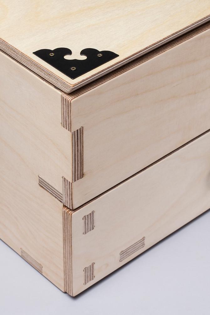 Mini dressing table
