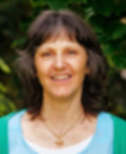 Cendrine Fuchs coach et écrivain Le développement personnel est son art de vivre au quotidien sa solution pour toute difficulté quelle qu'elle soit