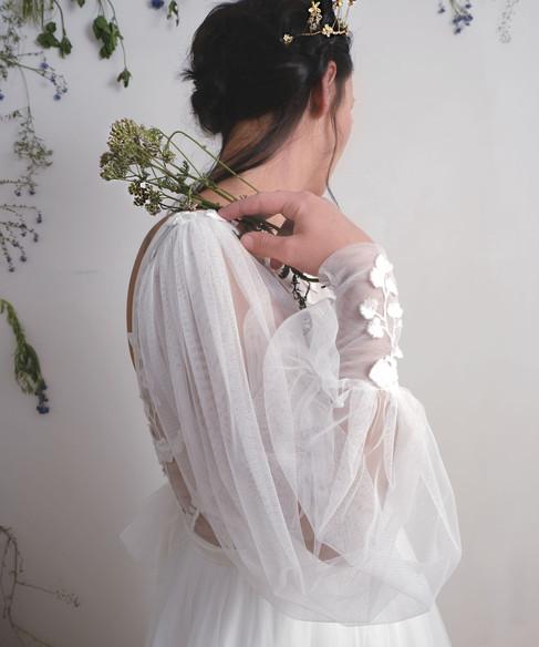 HEA Amoret white.jpg