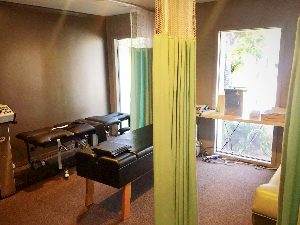 First Choice Chiropractic Therapy Room_ Electrical stimulation Therapy, Ultrasound Therapy, Decompre