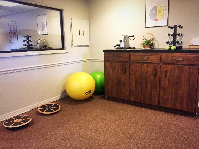 First Choice Chiropractic Ormond Beach Rehabilitation Room_edited