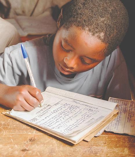 Child%20in%20School_DR%20Congo_edited.jpg