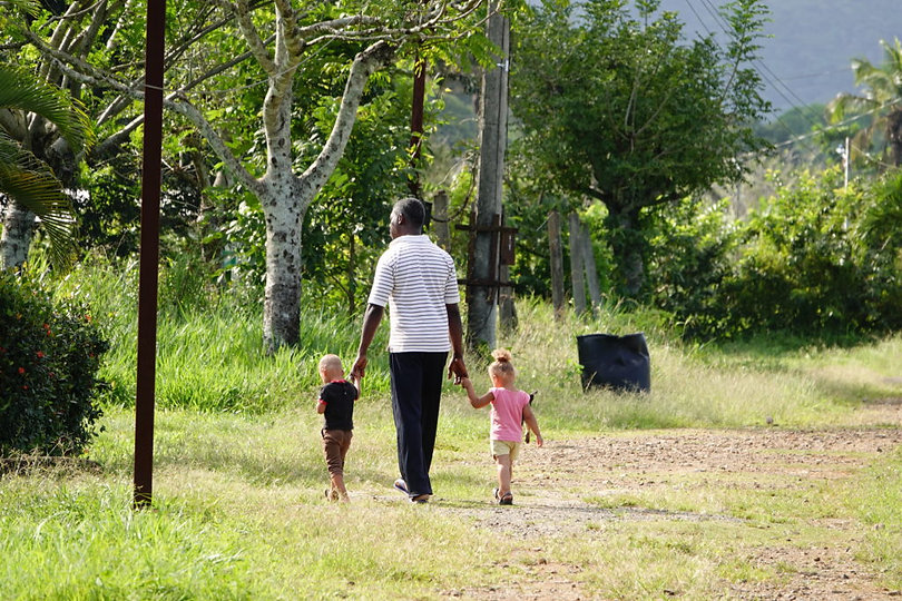 Father-with-Kids3-1024x683.jpg