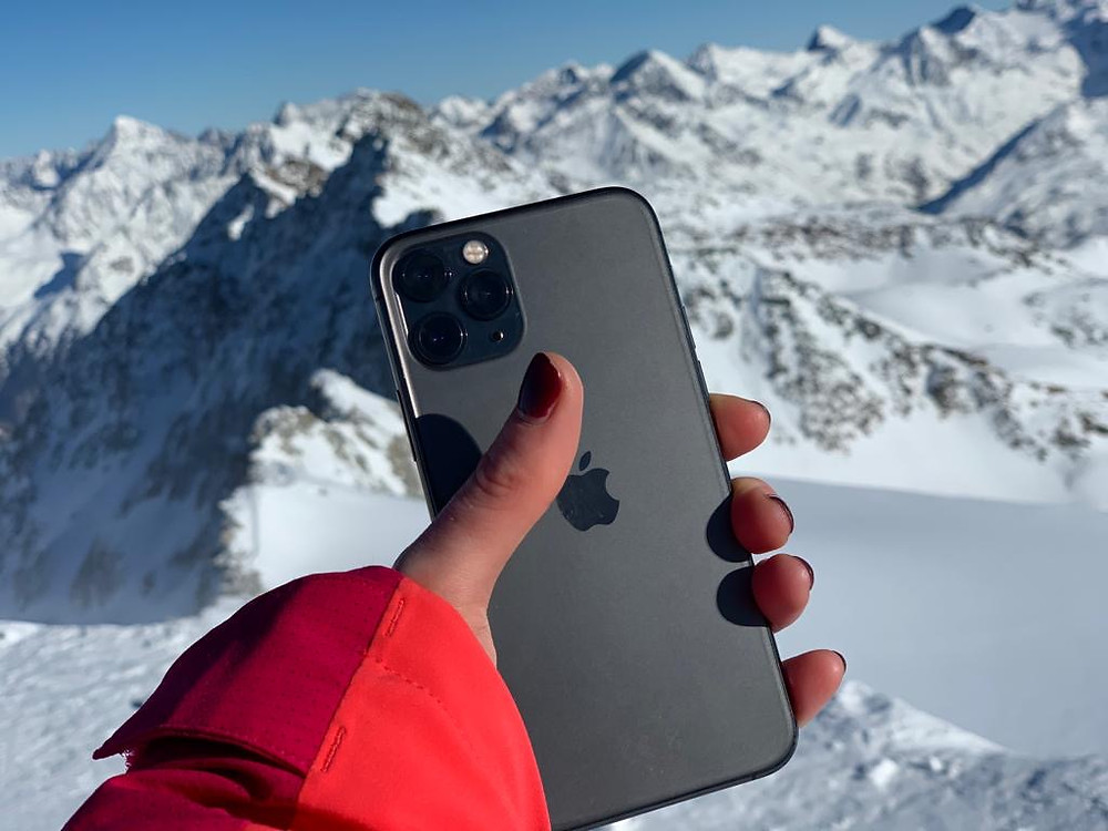 Iphone 11 pro in the mountain
