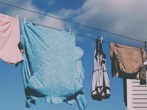 Was Wodka mit Kleidung zu tun hat und wie man Wäsche  richtig wäscht