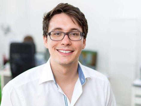 Hendrik liefert mit seinem Unternehmen Lösungsansätze, um Produkte länger leben zu lassen