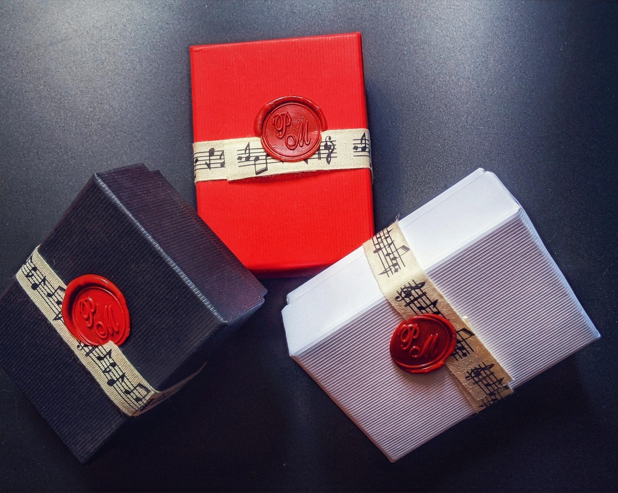 3 couleurs de boîte cadeau