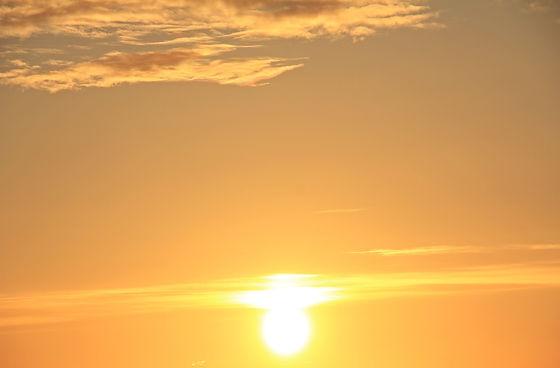 sunrise-1482422_1920.jpg