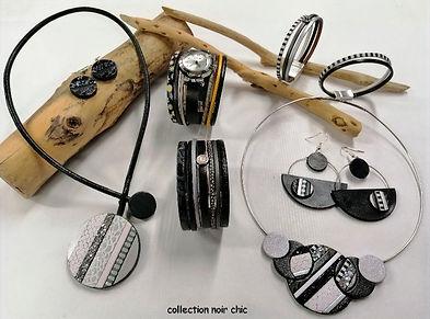 collier, bracelets, montres bijoux, boucles d'oreilles en fleur de cuir de vachette, noir, blanc, gris, argenté