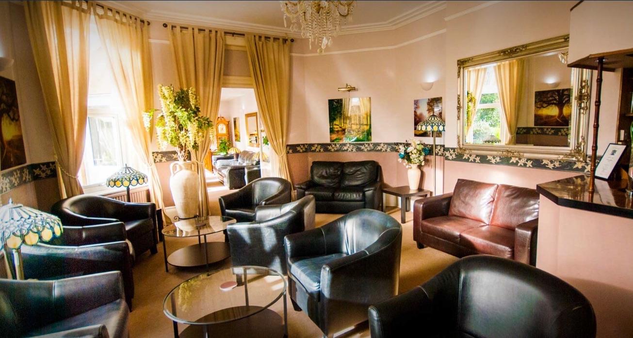 lounge 1jpg