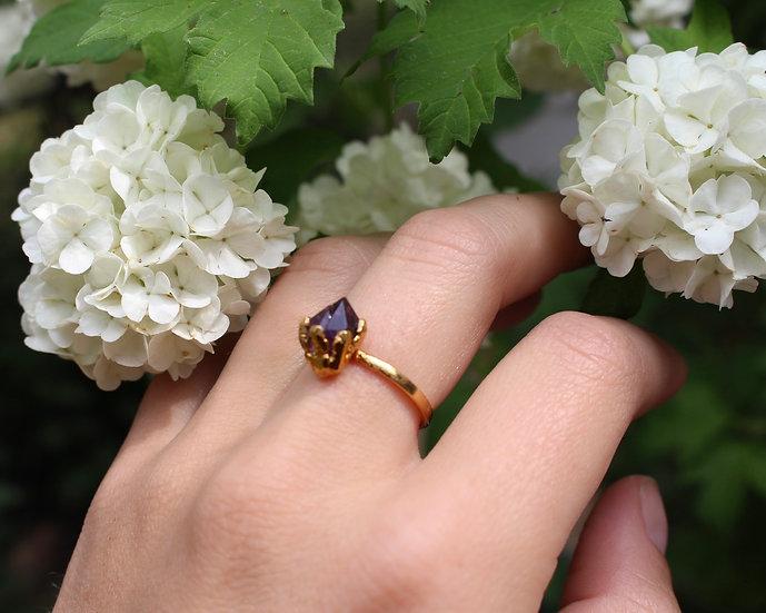 Amethyst claw ring - gold
