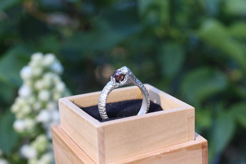 Garnet karma snake ring - silver