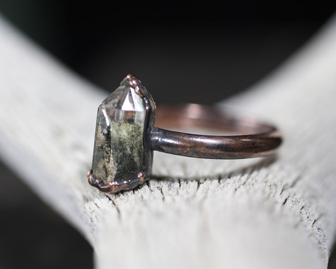 Chlorite included Quartz ring