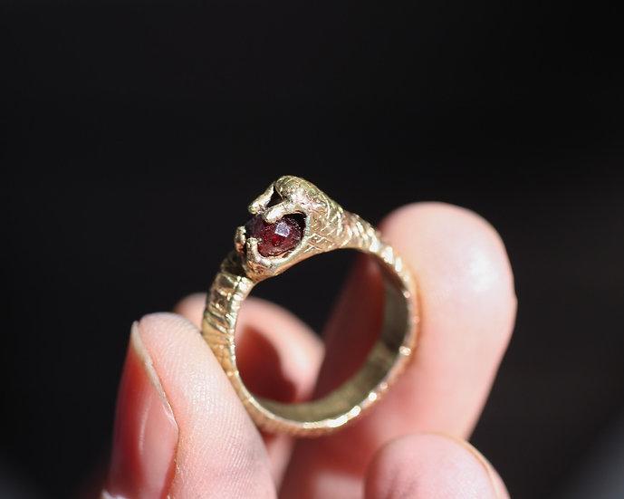 Garnet Karma Snake ring - Brass