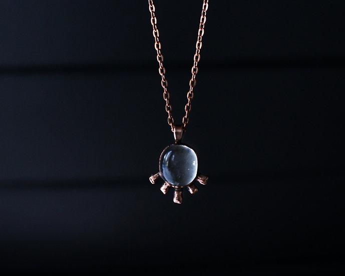 Quartz cosmic rays necklace